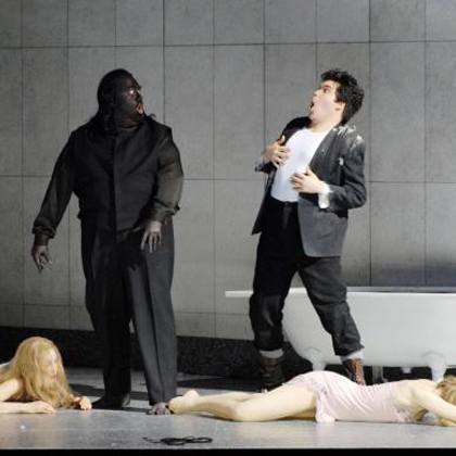 ©Oper Zürich/Walter Bieri. Dirigent: Nikolaus Harnoncourt Regie: Martin Kusej Bühne: Rolf Glittenberg Kostüme: Heidi Hackl.